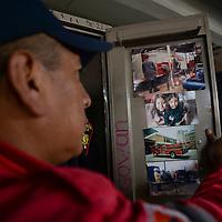 Toluca, México.- Este 22 de agosto se celebra el día del Bombero, hombres comprometidos con la sociedad, arriesgando su integridad en todo momento; los Bomberos de Toluca cuentan con una plantilla de 150 elementos de los cuales 13 son mujeresmujeres, que día a día salen a combatir siniestros de diversa índole. Agencia MVT / Crisanta Espinosa
