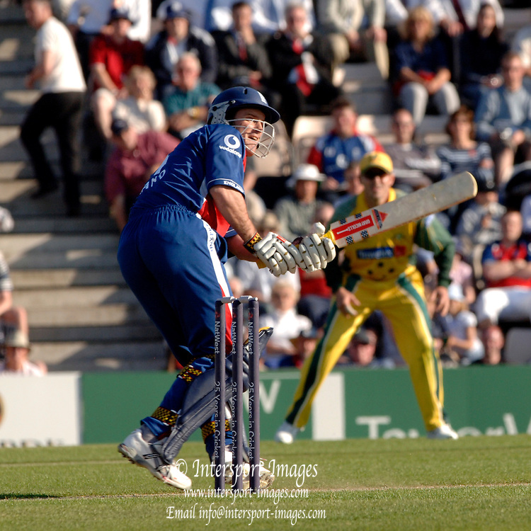 2005 Twenty/20 Cricket England vs Australia, The Rose Bowl, Southampton, Hampshire, ENGLAND 13.06.2005, Andrew Strauss.Photo  Peter Spurrier. .email images@intersport-images...