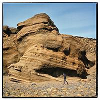 Cliffs and Sandstone by lake Kleifarvatn in Iceland. Klettar og sandsteinn við Kleifarvatn.