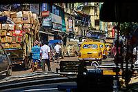 Inde, Bengale-Occidental, Kolkata, circulation dans la vielle ville // India, West Bengal, Kolkata, Calcutta, old city traffic