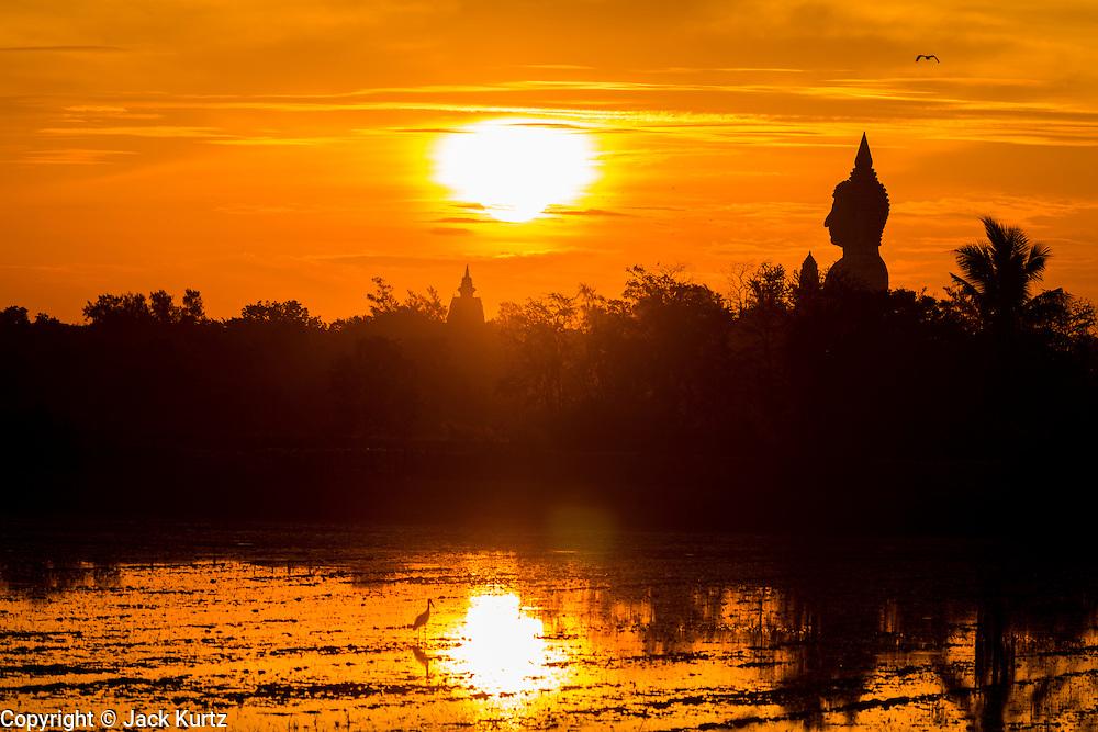 14 MAY 2013 - BANGTATHEN, SAPHUNBURI, THAILAND:  Sunrise in Bangtathen, Saphanburi, Thailand.    PHOTO BY JACK KURTZ