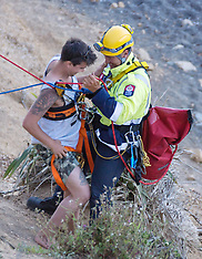 Wellington-Fire crews rescue youth from cliff in Seatoun