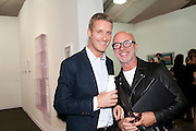LORCAN O'NEILL; NIGEL COATES, OPENING OF FRIEZE ART FAIR. Regent's Park. London.  12 October 2011. <br /> <br />  , -DO NOT ARCHIVE-© Copyright Photograph by Dafydd Jones. 248 Clapham Rd. London SW9 0PZ. Tel 0207 820 0771. www.dafjones.com.