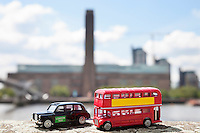 Figurines of London public transports