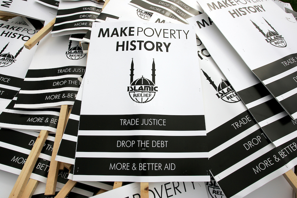 PILE OF MAKE POVERTY HISTROY BANNERS