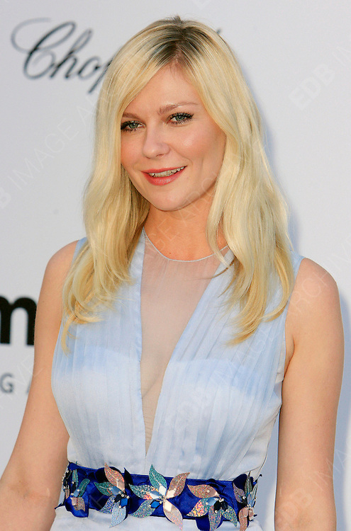 24.MAY.2012. CANNES<br /> <br /> KIRSTEN DUNST AT THE AMFAR CINEMA AGAINST AIDS 2012 DURING THE CANNES FILM FESTIVAL, CANNES, FRANCE.<br /> <br /> BYLINE: EDBIMAGEARCHIVE.CO.UK<br /> <br /> *THIS IMAGE IS STRICTLY FOR UK NEWSPAPERS AND MAGAZINES ONLY*<br /> *FOR WORLD WIDE SALES AND WEB USE PLEASE CONTACT EDBIMAGEARCHIVE - 0208 954 5968*