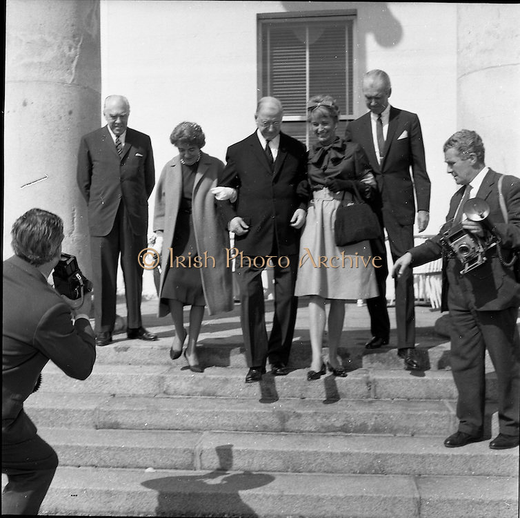 02/08/1962<br /> 08/02/1962<br /> 02 August 1962<br /> Ambassador Oil Co. representatives at Aras an Uachtarain.<br /> Picture shows Mr F. Kirk Johnston, Chairman of Ambassador Oil Corporation and President of Ambassador Irish Oil Co.; Mrs Johnston; President Eamon de Valera; Mrs Stewart and James (Jimmy) Stewart at the Aras.