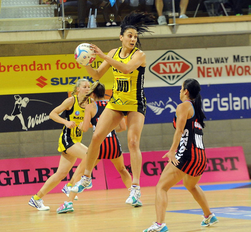 Pulse's Joline Henry against the Tactix in the ANZ Netball Championship, Te Rauparaha Arena, Porirua, New Zealand, Monday, April 19, 2015. Credit:SNPA / Ross Setford