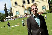 Castpresentatie romantische komedie Toscaanse Bruiloft in Villa Rossi Lucca, Italie<br /> <br /> Op de foto:  regisseur Johan Nijenhuis