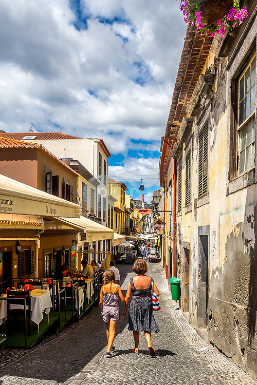 Old town street, Funchal, Madeira ©Javier Abad / PILAR REVILLA