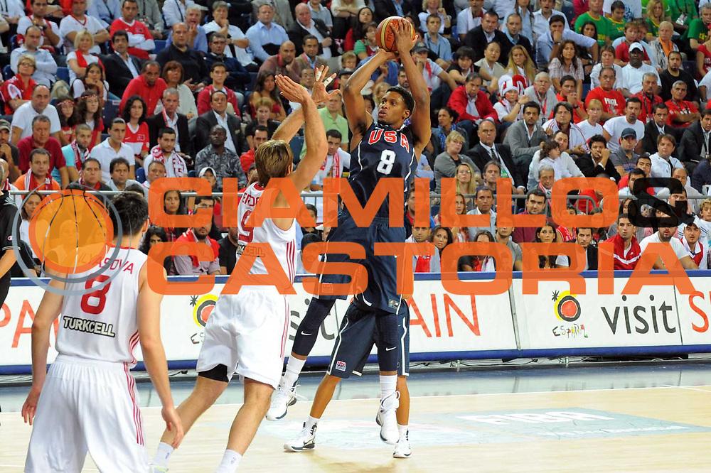 DESCRIZIONE : Istanbul Turchia Turkey Men World Championship 2010 Final Campionati Mondiali Finale Turkey USA<br /> GIOCATORE : Rudy Gay<br /> SQUADRA : USA<br /> EVENTO : Istanbul Turchia Turkey Men World Championship 2010 Campionato Mondiale 2010<br /> GARA : Turkey USA Turchia USA<br /> DATA : 12/09/2010<br /> CATEGORIA : tiro shot<br /> SPORT : Pallacanestro <br /> AUTORE : Agenzia Ciamillo-Castoria/GiulioCiamillo<br /> Galleria : Turkey World Championship 2010<br /> Fotonotizia : Istanbul Turchia Turkey Men World Championship 2010 Final Campionati Mondiali Finale Turkey USA<br /> Predefinita :