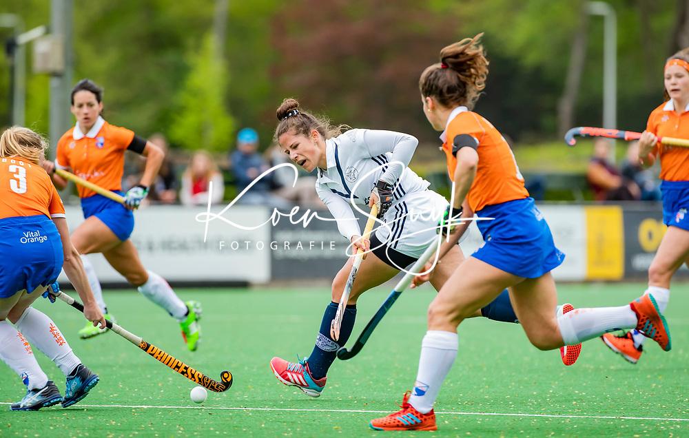BLOEMENDAAL -    Alma Fenne (Pin)  .  , Libera hoofdklasse hockey Bloemendaal-Pinoke (0-0). COPYRIGHT KOEN SUYK