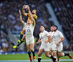 Adam Ashley-Cooper of Australia claims the ball in the air - Photo mandatory by-line: Patrick Khachfe/JMP - Mobile: 07966 386802 29/11/2014 - SPORT - RUGBY UNION - London - Twickenham Stadium - England v Australia - QBE Internationals