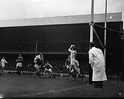 Football - Al Ireland Minor Football Final - Cork vs Galway<br /> 25/09/1960  26th September 1960<br /> <br /> All Ireland Minor Football Final between Cork and Galway at Croke Park.