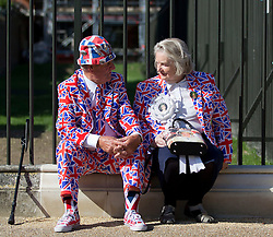 © Licensed to London News Pictures. 31/08/2013. London, UK. Margaret Tyler (L) and Terry Hutt, Royal fans who have visited Kensington Palace every year for the last 16 years since the death of Princess Diana in 1997 are seen outside the Palace in London today (31/08/2013). Photo credit: Matt Cetti-Roberts/LNP