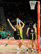 Casey Williams (NZ) / Susan Pratley (AUS)<br /> Netball - 2009 Holden International Test Series<br /> Australian Diamonds v New Zealand Silver Ferns<br /> Wednesday 9 September 2009<br /> Hisense Arena, Melbourne AUS<br /> © Sport the library / Jeff Crow