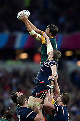 Eben Etzebeth of South Africa wins the ball at a lineout - Mandatory byline: Patrick Khachfe/JMP - 07966 386802 - 07/10/2015 - RUGBY UNION - The Stadium, Queen Elizabeth Olympic Park - London, England - South Africa v USA - Rugby World Cup 2015 Pool B.