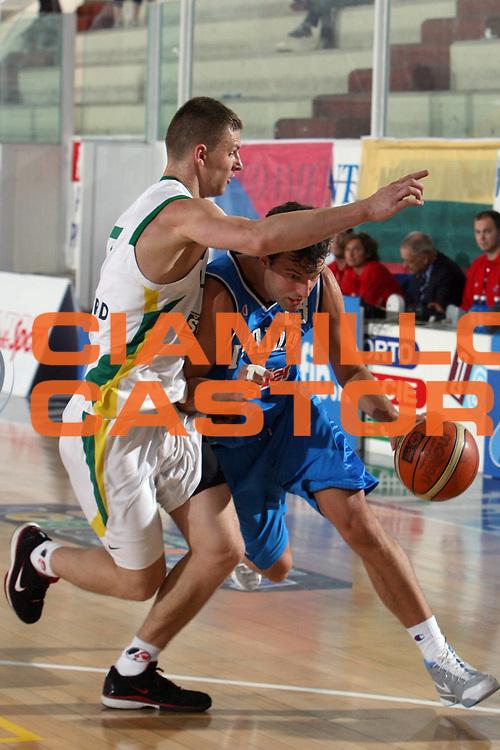 DESCRIZIONE : Rieti Torneo Internazionale Lazio 2006 Italia-Lituania<br /> GIOCATORE : Boscagin<br /> SQUADRA : Italia<br /> EVENTO : Rieti Torneo Internazionale Lazio 2006<br /> GARA : Italia Lituania<br /> DATA : 22/06/2006 <br /> CATEGORIA : Penetrazione<br /> SPORT : Pallacanestro <br /> AUTORE : Agenzia Ciamillo-Castoria/E.Castoria<br /> Galleria : FIP Nazionale Italiana<br /> Fotonotizia : Rieti Torneo Internazionale Lazio 2006 Italia Lituania<br /> Predefinita :