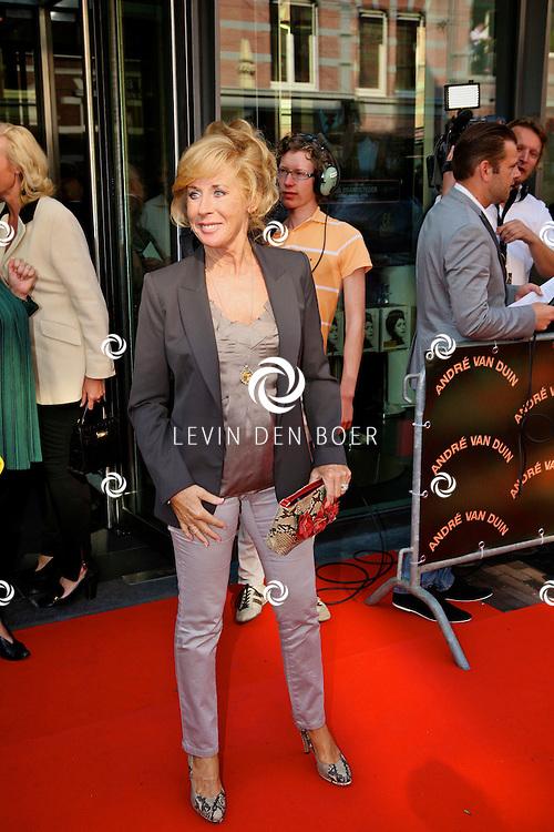 AMSTERDAM - In de LaMar theater is de premiere van Andre van Duin.  Met op de foto Joke Bruijs. FOTO LEVIN DEN BOER - PERSFOTO.NU