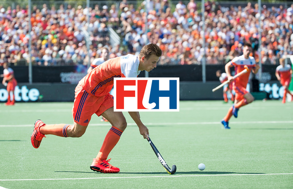 BREDA - Thijs van Dam (Ned) tijdens Nederland- India bij  de Hockey Champions Trophy.  COPYRIGHT KOEN SUYK