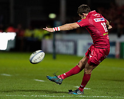 Scarlets' Dan Jones converts<br /> <br /> Photographer Simon King/Replay Images<br /> <br /> European Rugby Champions Cup Round 6 - Scarlets v Toulon - Saturday 20th January 2018 - Parc Y Scarlets - Llanelli<br /> <br /> World Copyright © Replay Images . All rights reserved. info@replayimages.co.uk - http://replayimages.co.uk