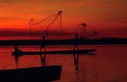 pescadores do rio araguaia...fishermen of the river araguaia...pescadores do rio araguaia...fishermen of the river araguaia.