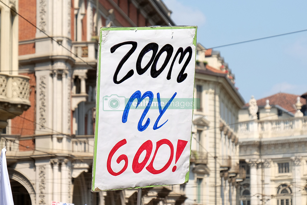 May 27, 2017 - Turin, Italy - A national demonstration is developed for protesting against the reopening of the zoo called ''Zoom'' to Turin (Credit Image: © Daniela Parra Saiani/Pacific Press via ZUMA Wire)