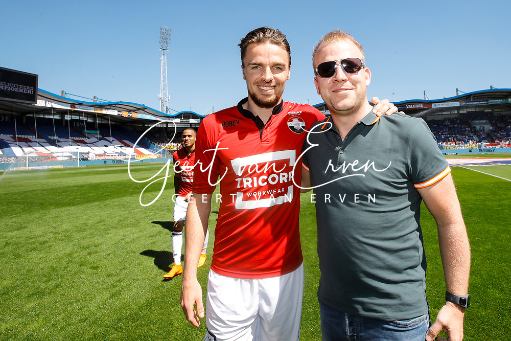 Supporter of Willem II with *Ben Rienstra* of Willem II