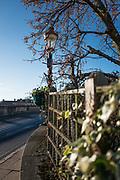Henley, Oxfordshire. England General Views Henley Town  Berkshire side of Henley Bridge. Thursday  01/12/2016<br /> © Peter SPURRIER<br /> LEICA CAMERA AG  LEICA Q (Typ 116)  f1.7  1/6400sec  35mm  13.5MB