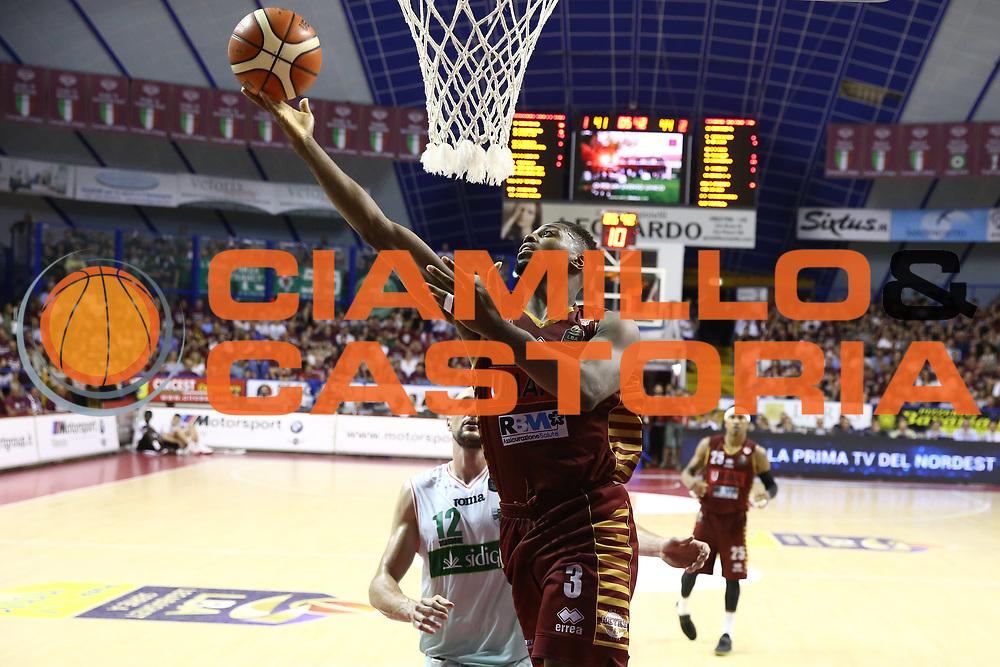 Ejim Melvin<br /> Umana Reyer Venezia vs Sidigas Avellino<br /> Lega Basket Serie A 2016/2017<br /> Play Off SemiFinali Gara 1<br /> Venezia,26/05/2017<br /> Foto Ciamillo-Castoria/A. Gilardi
