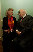 Sonia Sinclair and Lord Weidenfeld, Catherine de Medici by Leonie Frieda book party, English Speaking Union. 3 February 2004. © Copyright Photograph by Dafydd Jones 66 Stockwell Park Rd. London SW9 0DA Tel 020 7733 0108 www.dafjones.com