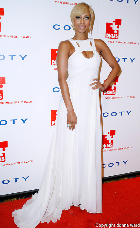 Keri Hilson poses at the 5th Annual DKMS Gala at Cipriani Wall Street in New York City on April 28, 2011.