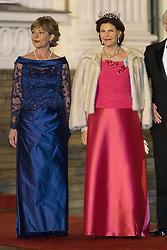 Daniela Schadt und Königin Silvia von Schweden bei der Ankunft zum Abendessen im Schloss Bellevue in Berlin / 051016<br /> <br /> ***State visit of the Swedish Royal Couple in Germany: Dinner at Bellevue Palace in Berlin, October 5, 2016***