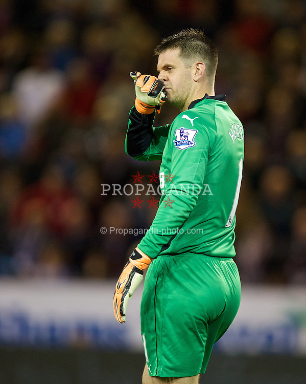 BURNLEY, ENGLAND - Monday, August 18, 2014: Burnley's goalkeeper Tom Heaton in action against Chelsea during the Premier League match at Turf Moor. (Pic by David Rawcliffe/Propaganda)