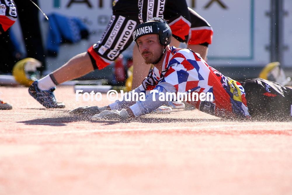 17.05.2009, Hyvink??..Superpesis 2009.Hyvink??n Tahko - Kiteen Pallo-90.Antti Kontinen - Kitee.©Juha Tamminen.