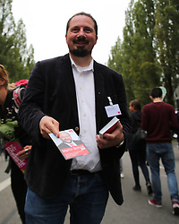 September 9, 2017 - Munich, Bavaria, Germany - Bernhard Goodwin distributing flyers..This weekend the ''Leopoldcorso'' street life festival takes place. Different political parties used for the election campaign. The AFD wasn't allowed to participate. For that they had a stand directly next to the ''Leopoldcorso' (Credit Image: © Alexander Pohl/Pacific Press via ZUMA Wire)