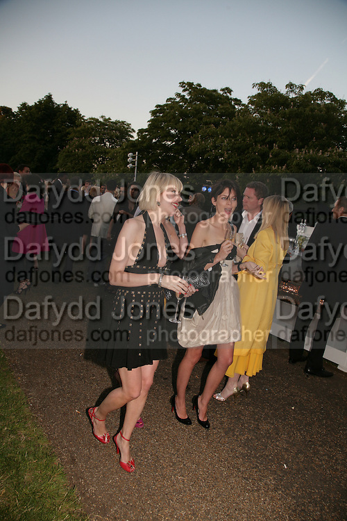 TICKY HEDLEY-DENT AND LIBERTY ROSS, The Summer Party in association with Swarovski. Co-Chairs: Zaha Hadid and Dennis Hopper, Serpentine Gallery. London. 11 July 2007. <br />