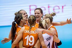 23-08-2017 NED: World Qualifications Belgium - Netherlands, Rotterdam<br /> De Nederlandse volleybalsters hebben op het WK-kwalificatietoernooi ook hun tweede duel in winst omgezet. Oranje overklaste Belgi&euml; en won met 3-0 (25-18, 25-18, 25-22). Eerder werd Griekenland ook al met 3-0 verslagen / Femke Stoltenborg #2 of Netherlands, Lonneke Sloetjes #10 of Netherlands