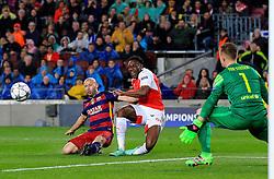 Arsenal's Danny Welbeck fires a shot at goal - Mandatory byline: Matt McNulty/JMP - 16/03/2016 - FOOTBALL - Nou Camp - Barcelona,  - FC Barcelona v Arsenal - Champions League - Round of 16
