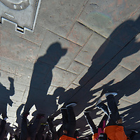 Toluca, México.- Integrantes de sindicatos, principalmente magisteriales, participaron en el desfile conmemorativo del día de trabajo el cual terminó con un mitin en la plaza de los Martires de la ciudad de Toluca. Agencia MVT / Mario Vázquez de la Torre.