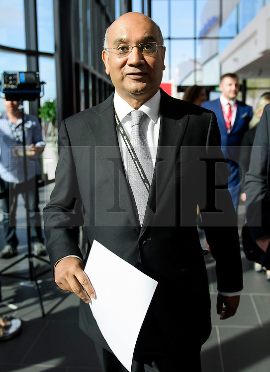 © Licensed to London News Pictures. 27/09/2016. Liverpool, UK. KEITH VAZ MP is seen at the third day of the Labour Party Annual Conference, held at the ACC in Liverpool, merseyside, UK. Vaz was involved in a newspaper sting in which he appeared to use male prostitutes. Photo credit: Ben Cawthra/LNP
