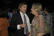 IVO DAWNAY AND LINDSAY MACKIE, Rachel Johnson celebratespublication of ' Notting Hell'. Communal Gardens. Ladbroke Grove. London. 4 September 2006. .ONE TIME USE ONLY - DO NOT ARCHIVE  © Copyright Photograph by Dafydd Jones 66 Stockwell Park Rd. London SW9 0DA Tel 020 7733 0108 www.dafjones.com