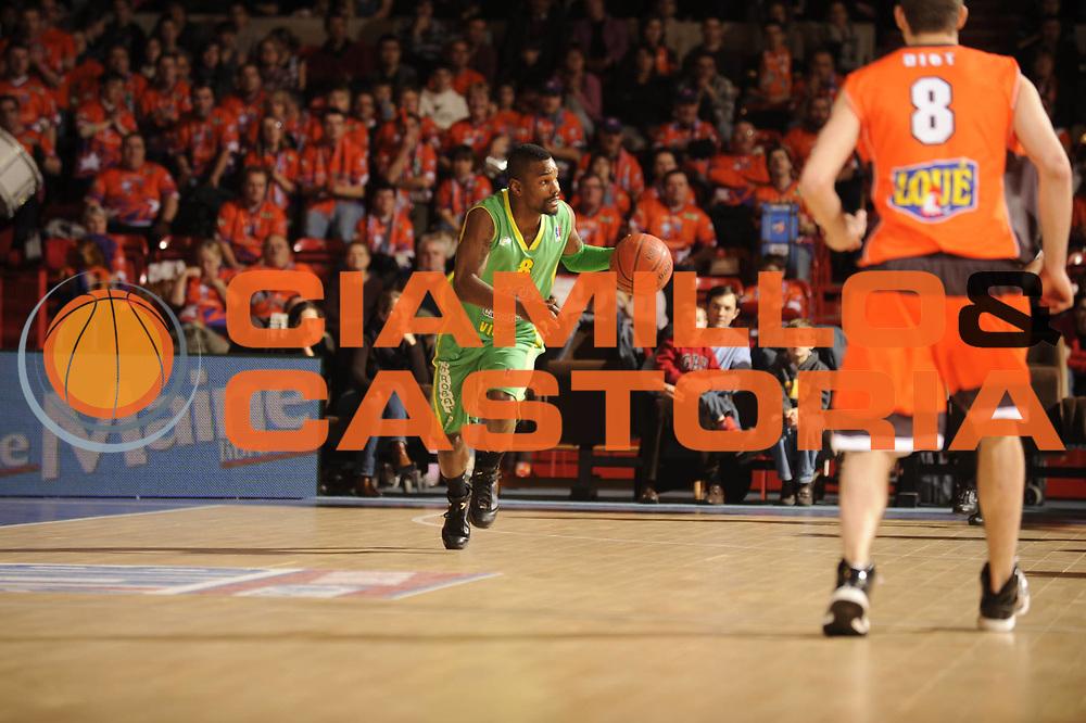 DESCRIZIONE : France Ligue Pro A Msb Le Mans Vichy 14 ieme journee<br /> GIOCATORE : Reed Kareem<br /> SQUADRA : Vichy<br /> EVENTO : France Ligue Pro A 2009-2010<br /> GARA : MSB Le Mans Vichy <br /> DATA : 09/01/2010<br /> CATEGORIA : Basketball Action Homme<br /> SPORT : Basketball<br /> AUTORE : JF Molliere par Agenzia Ciamillo-Castoria <br /> Galleria : France Ligue Pro A 2009-2010 <br /> Fotonotizia : France Ligue Pro A 2009-10 Msb Le Mans Vichy <br /> Predefinita :