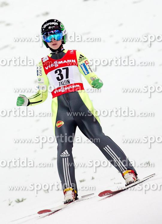 20.02.2015, Lugnet Ski Stadium, Falun, SWE, FIS Weltmeisterschaften Ski Nordisch, Skisprung, Damen, Finale, im Bild Spela Rogelj (SLO) // during the Ladies Skijumping Final of the FIS Nordic Ski World Championships 2015 at the Lugnet Ski Stadium, Falun, Sweden on 2015/02/20. EXPA Pictures © 2015, PhotoCredit: EXPA/ JFK