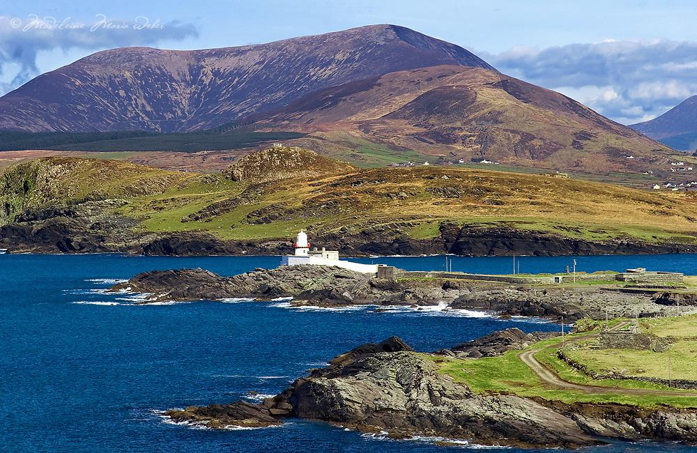 Irish Coastline Valentia Island Lighthouse - Ring of Kerry - Ireland  / vl022