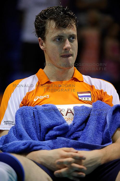27-06-2010 VOLLEYBAL: WLV NEDERLAND - BRAZILIE: ROTTERDAM<br /> Nederland verliest met 3-2 van Brazilie / Jeroen Rauwerdink<br /> &copy;2010-WWW.FOTOHOOGENDOORN.NL