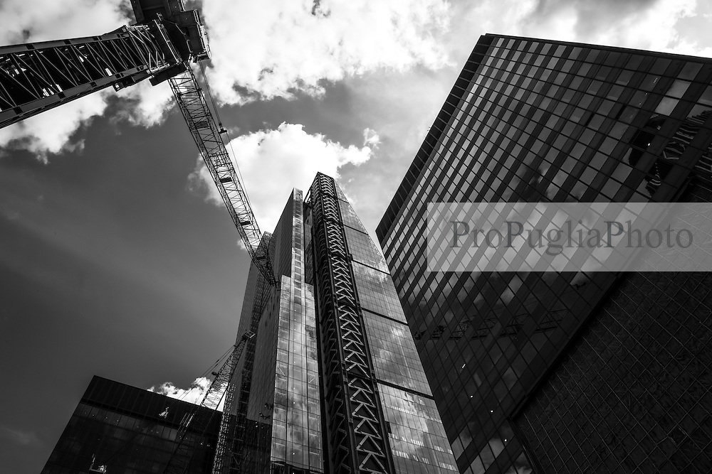 The Leadenhall Building. Cranes have become a symbol of London skyline, a costant presence that is evolving London cityscape.