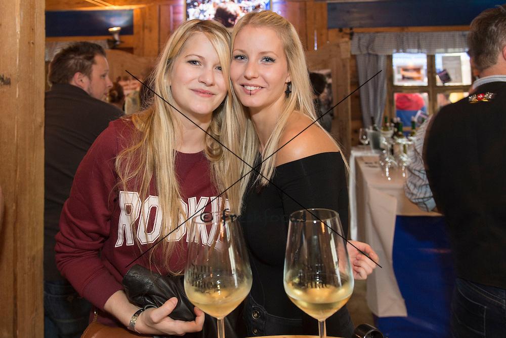 13.10.2014; St.Gallen; Inland - Feldschloesschen an der Olma;<br /> Salome Luethy und Veronique Dora, Birreria (Andy Mueller/freshfocus)