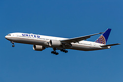 Boeing 777-300 ER (N2138U) operated by United Airlines on approach to San Francisco International Airport (KSFO), San Francisco, California, United States of America