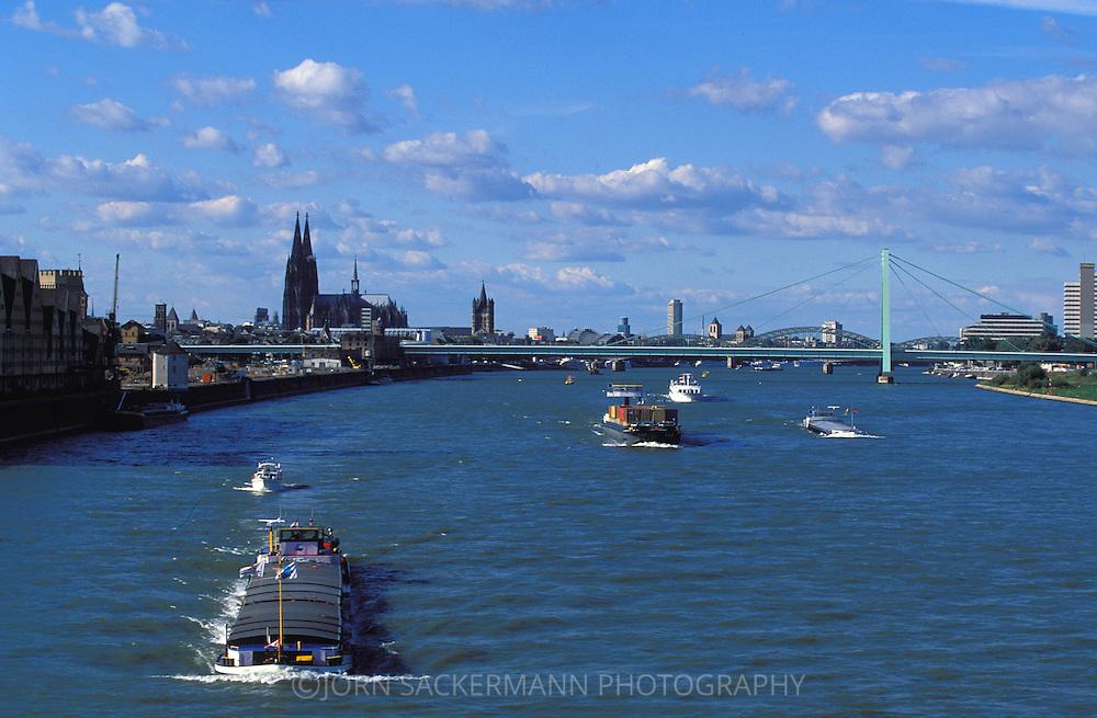DEU, Germany, Cologne, view from the southbridge across the river Rhine to the cathedral and the Severinsbridge.....DEU, Deutschland, Koeln,  Blick von der Suedbruecke zum Dom und der Severinsbruecke.........